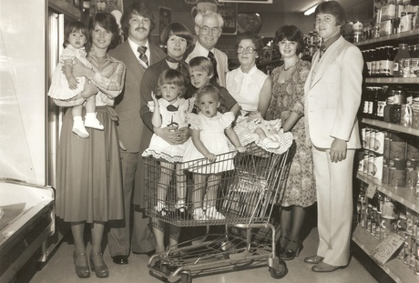 Lindy's Downtown Market - photo of original store owners in the store
