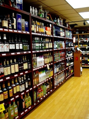 Lindy's Downtown Market - wine selection